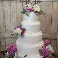 Damask Wedding Cake   Damask wedding cake!