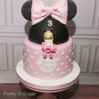 Minnie Mouse Cake   Minnie Mouse cake | cake stand by Coco&Baunilha