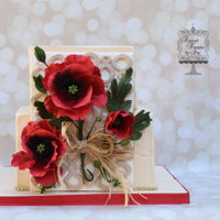 Poppy Lattice   Red poppies made of gumpaste. Square cakes
