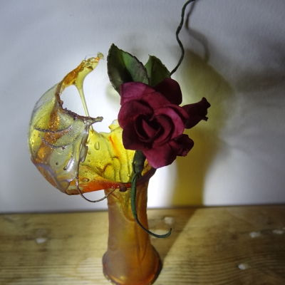 Isomalt 'broken Glass Vase'