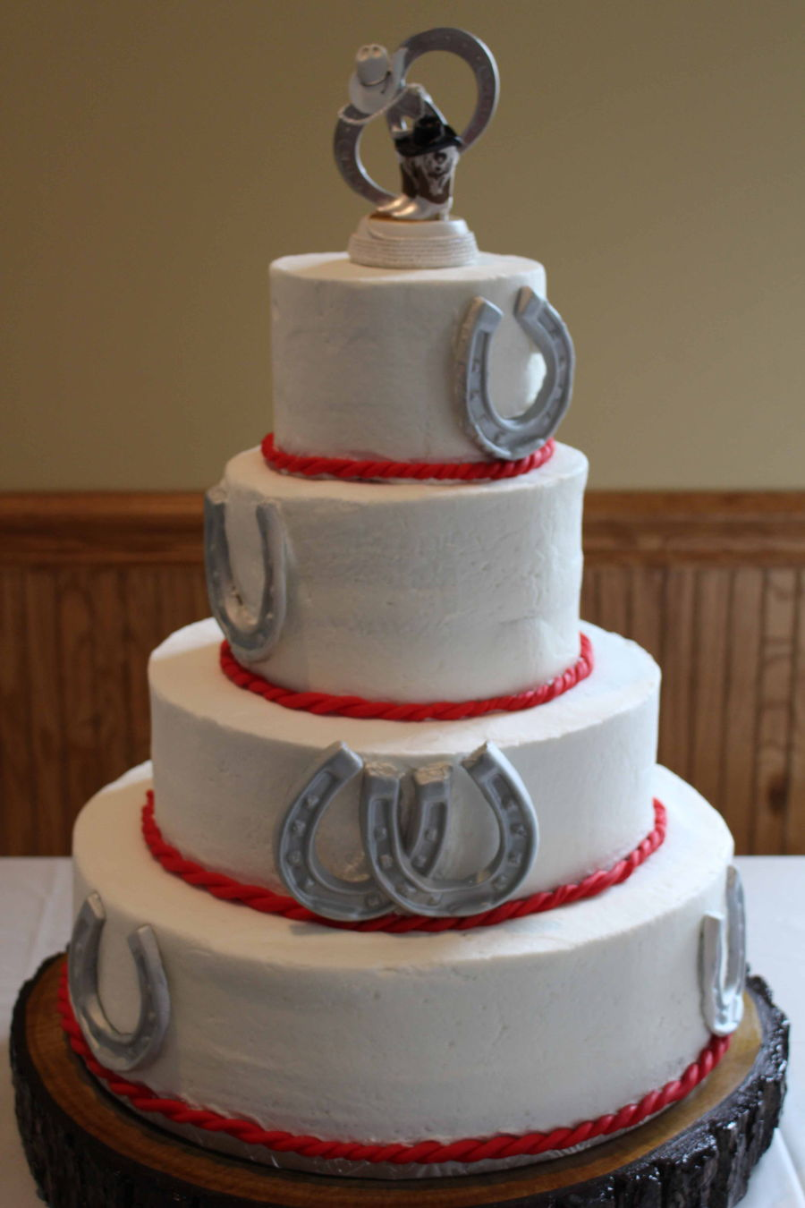 Horseshoe Wedding Cake Cakecentral Com