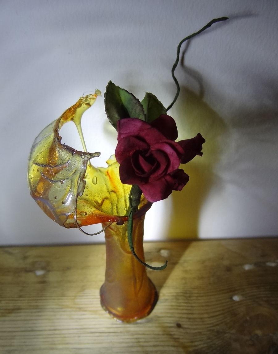 isomalt broken glass vase on cake central - Broken Glass Vase