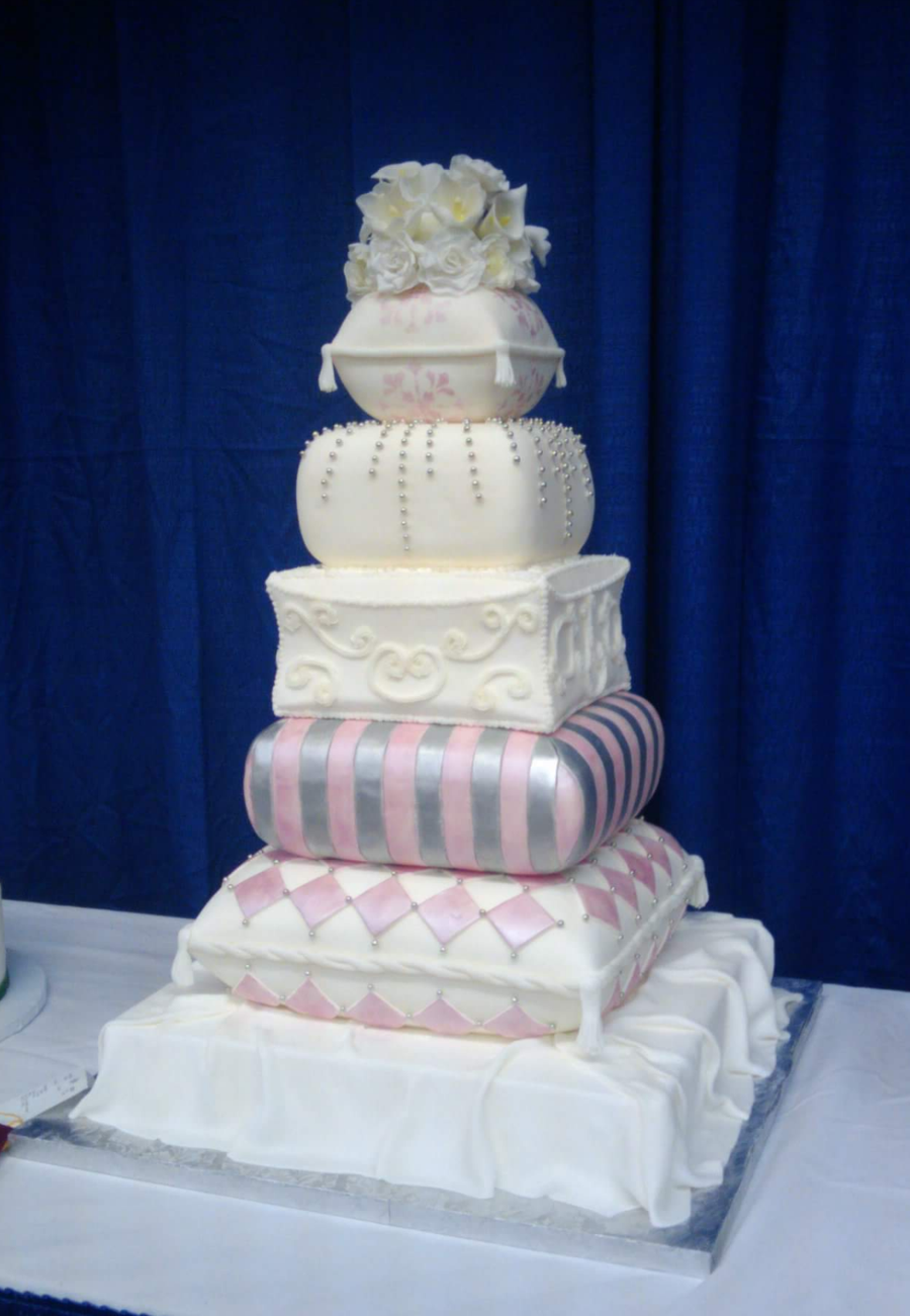 pillow wedding cake pillow wedding cake cakecentral 18514