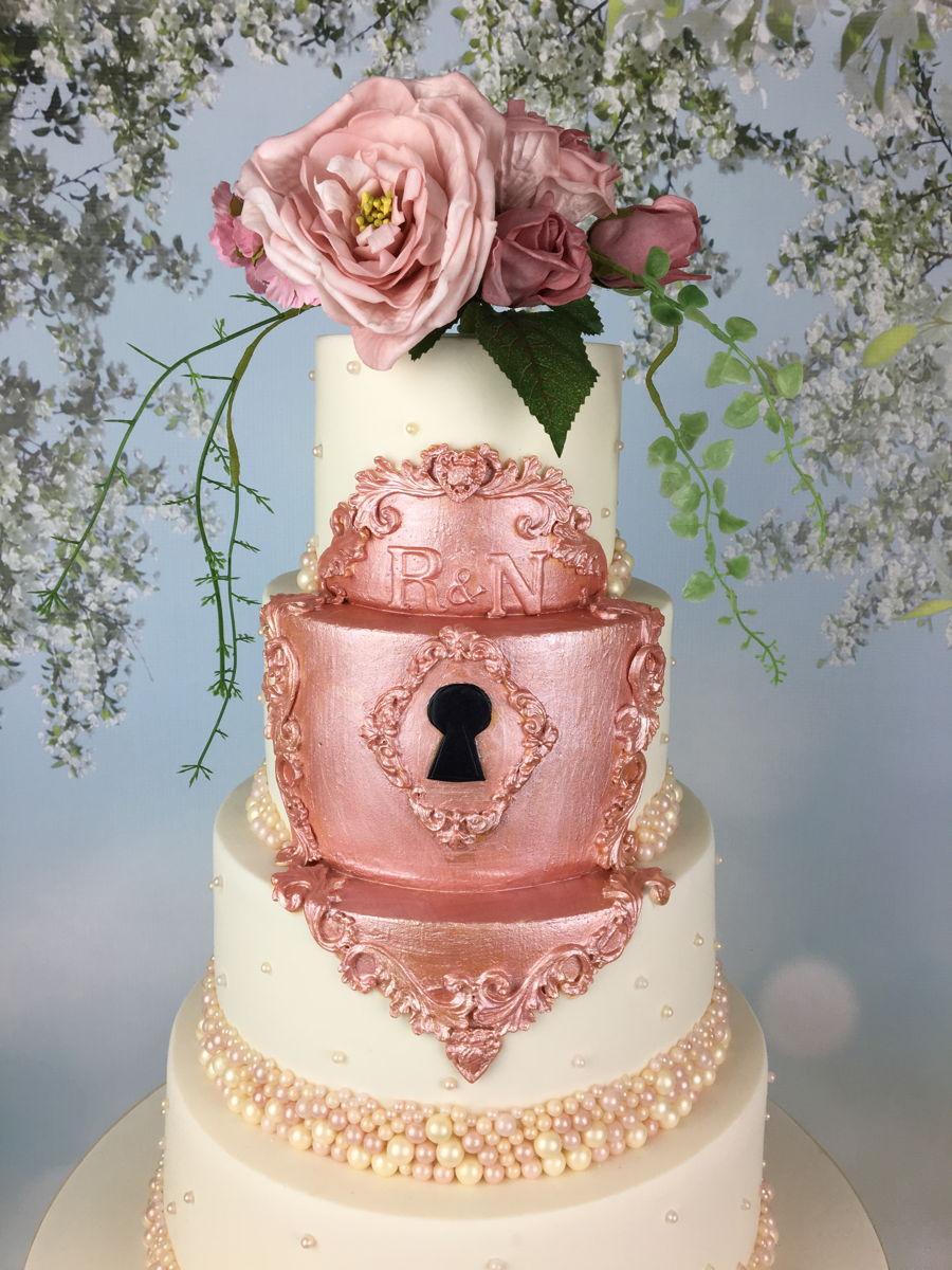 rose gold gilded lock wedding cake. Black Bedroom Furniture Sets. Home Design Ideas