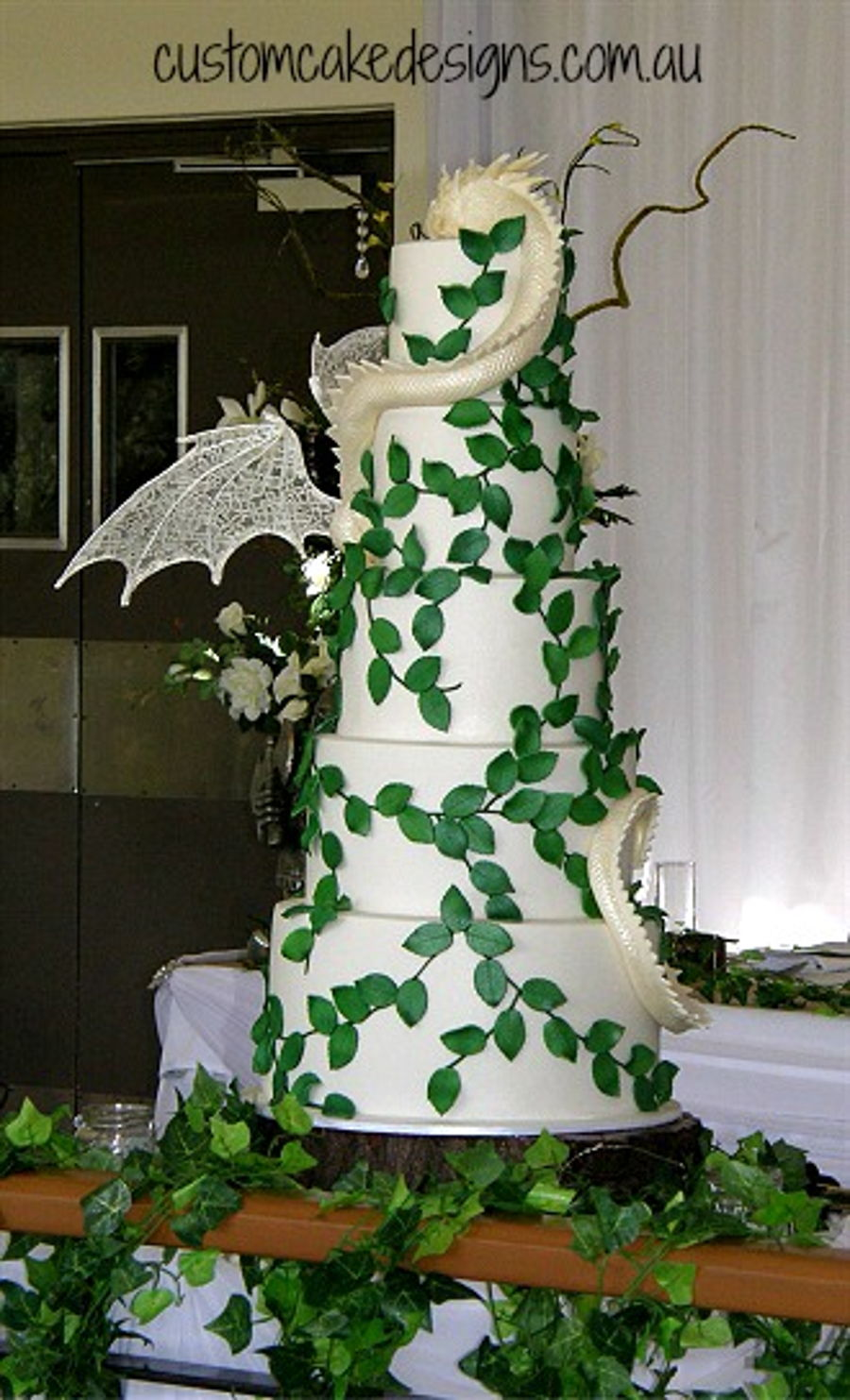 Smaug Dragon Wedding Cake Cakecentral Com