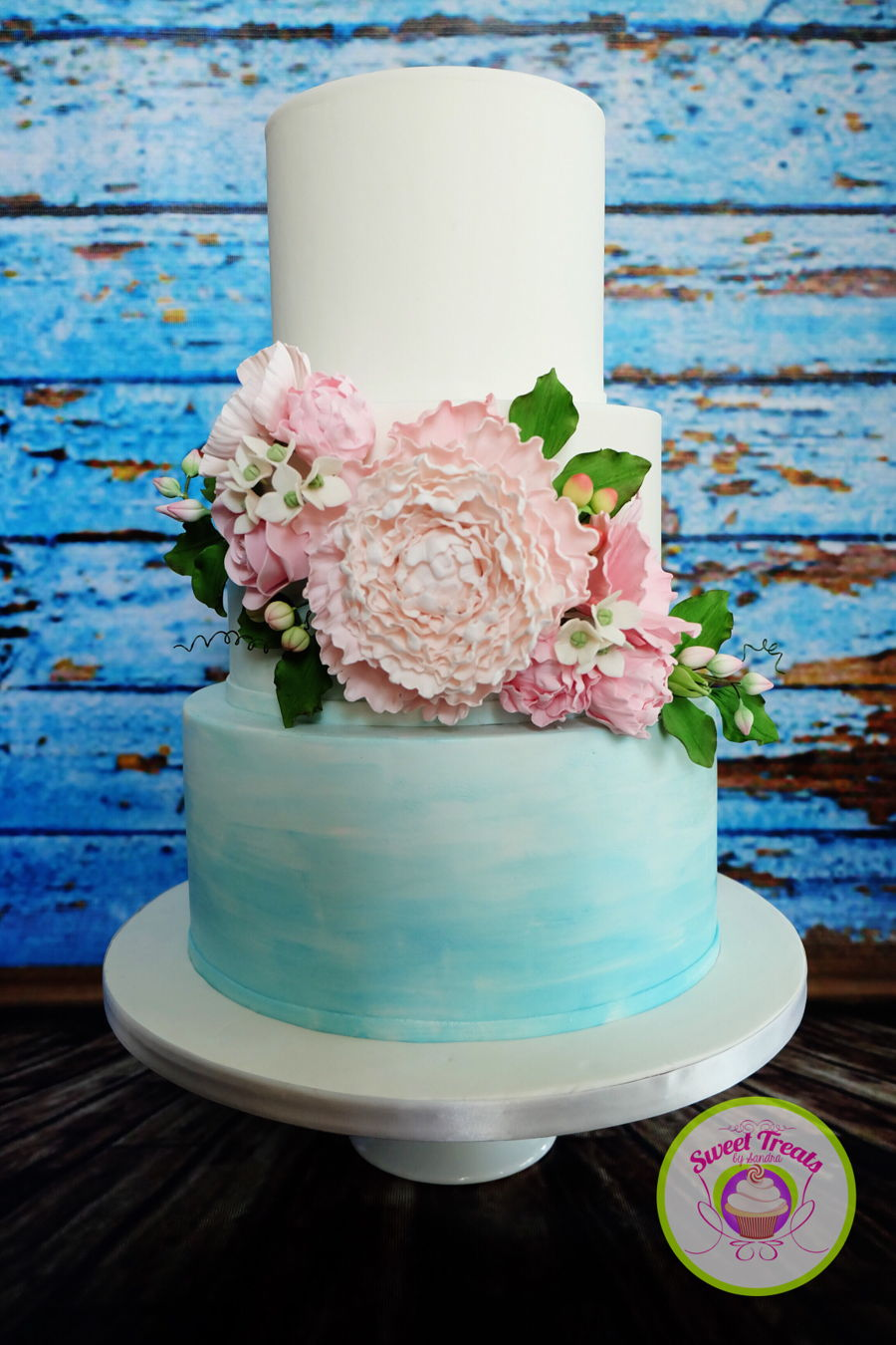Decorating A Birthday Cake With Buttercream