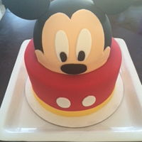 Mickey Mouse Cake A super cute MIckey Mouse cake i made a while back :)