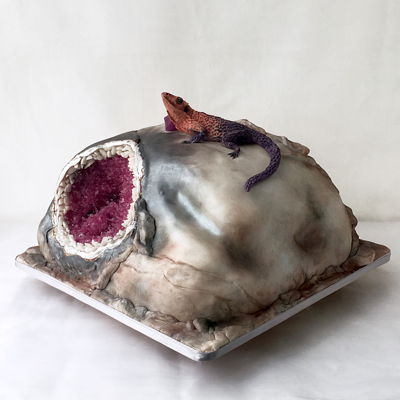 Geode Cake With Lizard
