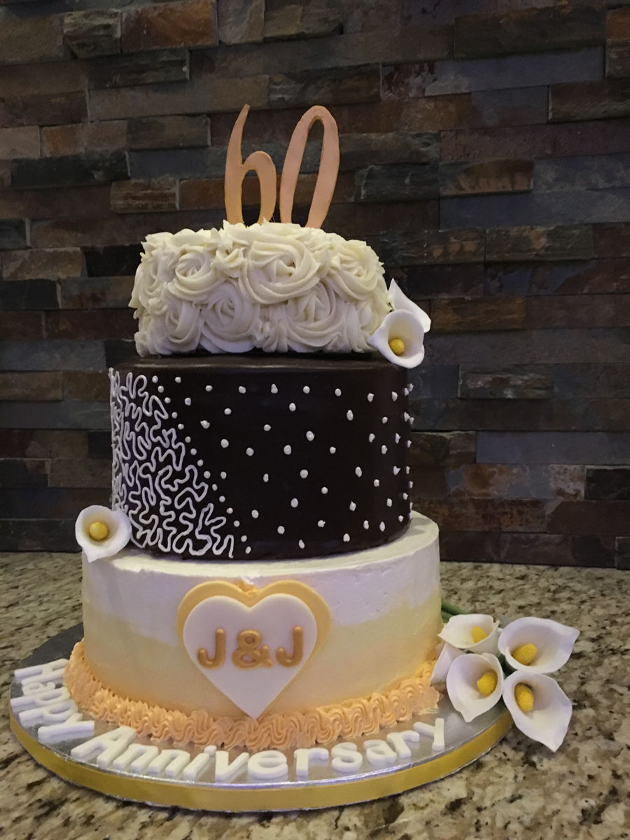 Th Anniversary Cakes With Gold Icing