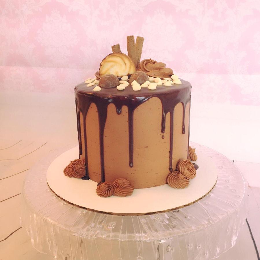 Amaretto Buttercream Cake