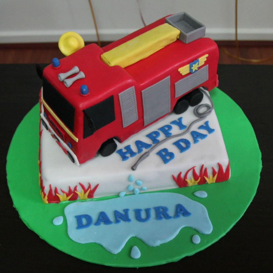 Awe Inspiring Fireman Sam Fire Truck Cake Cakecentral Com Funny Birthday Cards Online Overcheapnameinfo