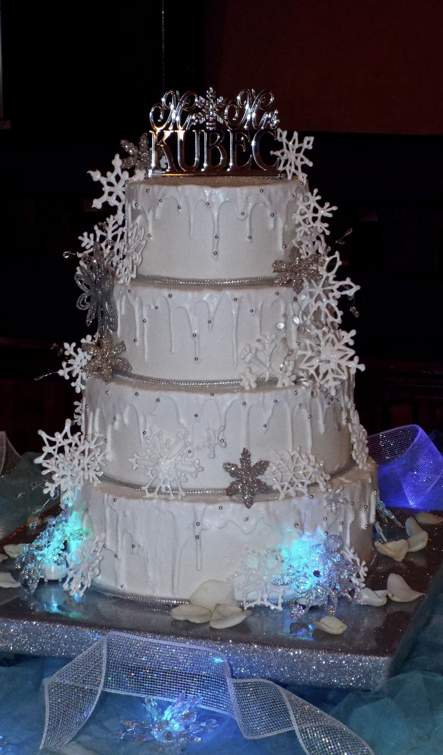 Royal Icing Snowflake Cake - CakeCentral.com
