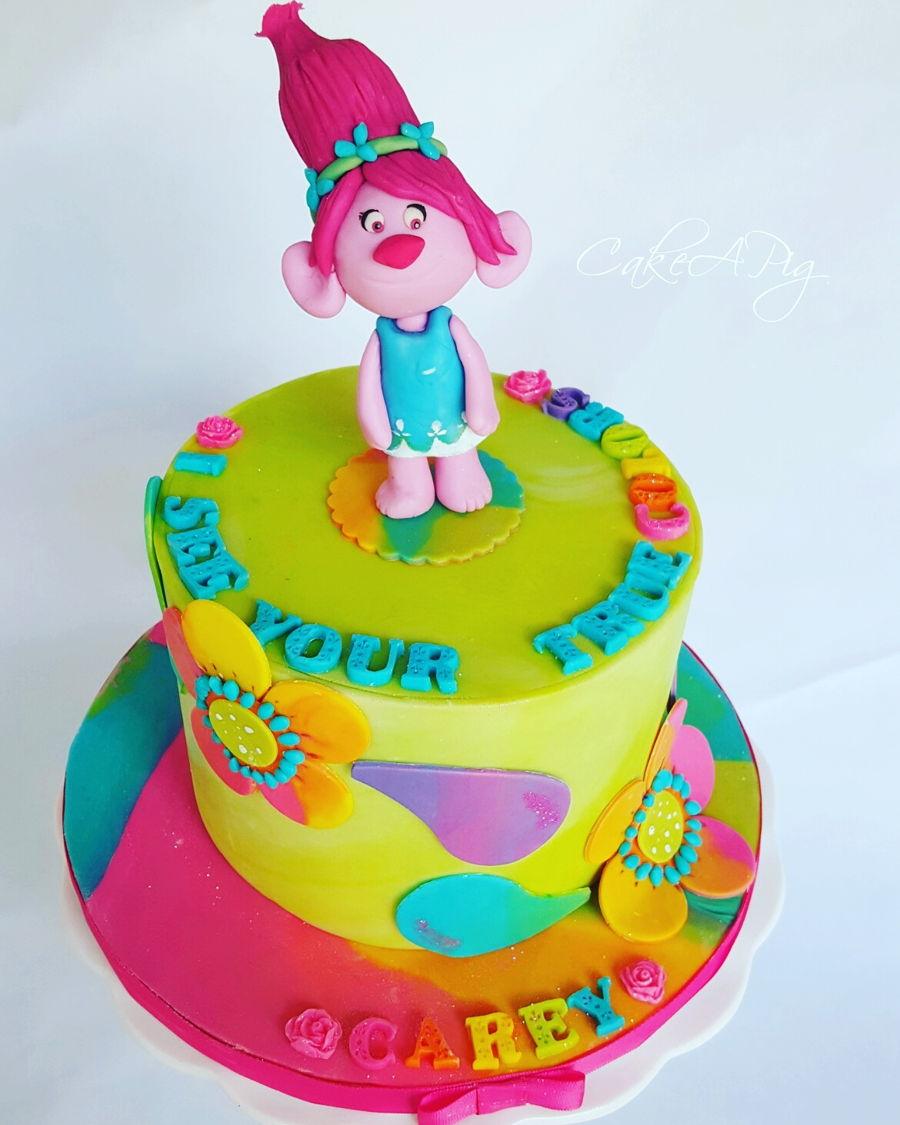 Cake Design Trolls : Trolls Cake - CakeCentral.com