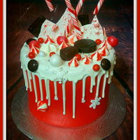 Candy Cane Land meringue, ganache, chocolate treat, fondant, dripcake, candy cane buttercream