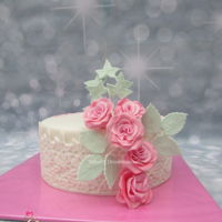 Sweet 16 A sweet 16 cake with romantic pink roses