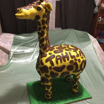 Giraffe   My second attempt at a cake like this