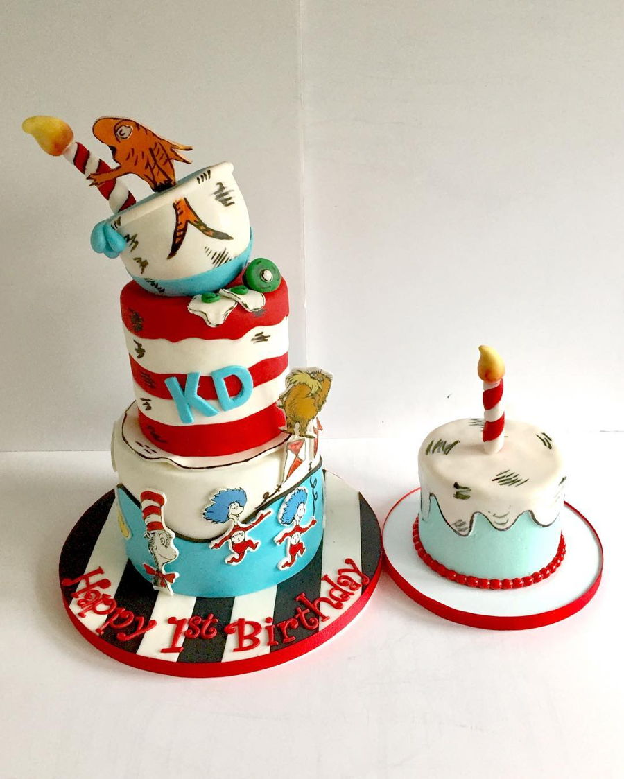 Dr Suess Cat In The Hat Cake And Matching Smash Cake