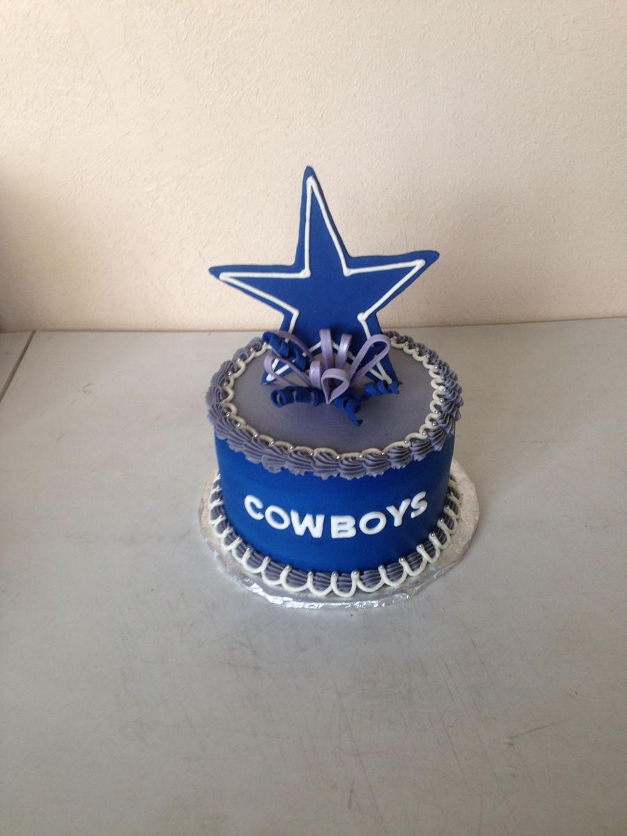 Small Dallas Cowboys Cake Cakecentral Com