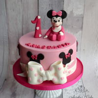 Minnie Mouse Pink Cake   Minnie Mouse pink cake