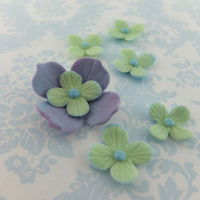 Sugar Flowers   Mix and matching colours from new set by Blossom Sugar Art.
