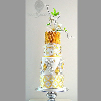 Cake With Origami Gold And Silver