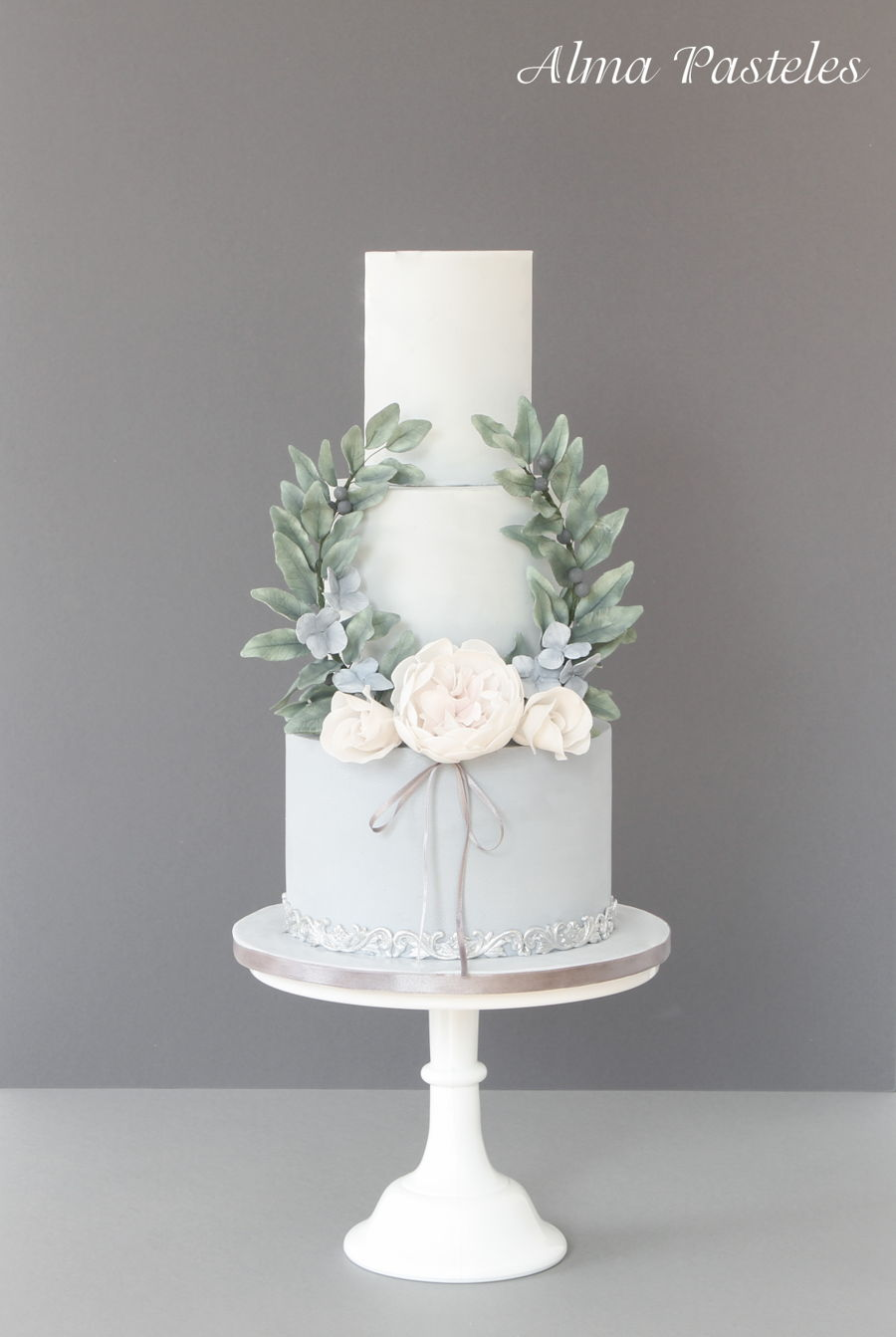 Vintage Inspired Wedding Cakes