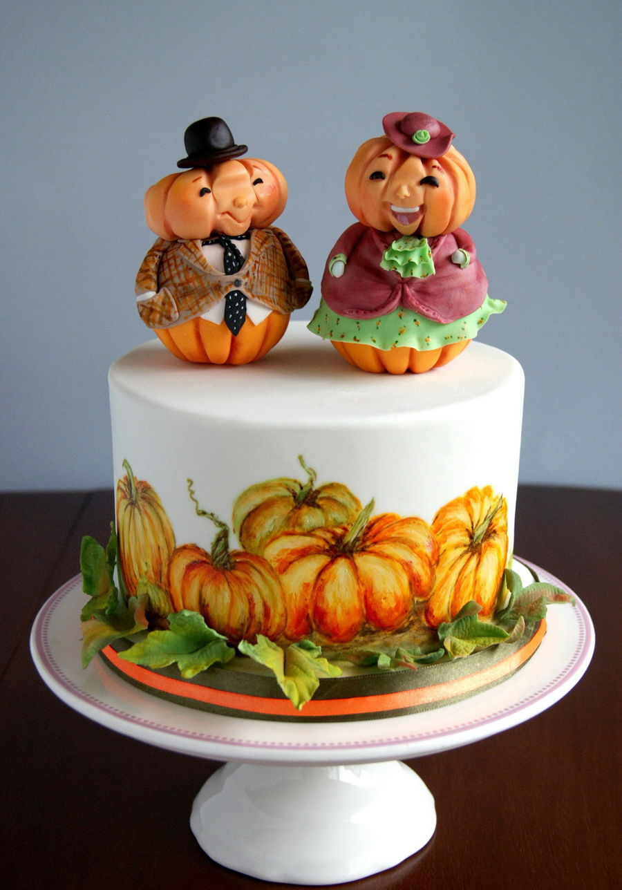 Mrs  Buttercream Cake Decorating : Mr. And Mrs. Pumpkin - CakeCentral.com