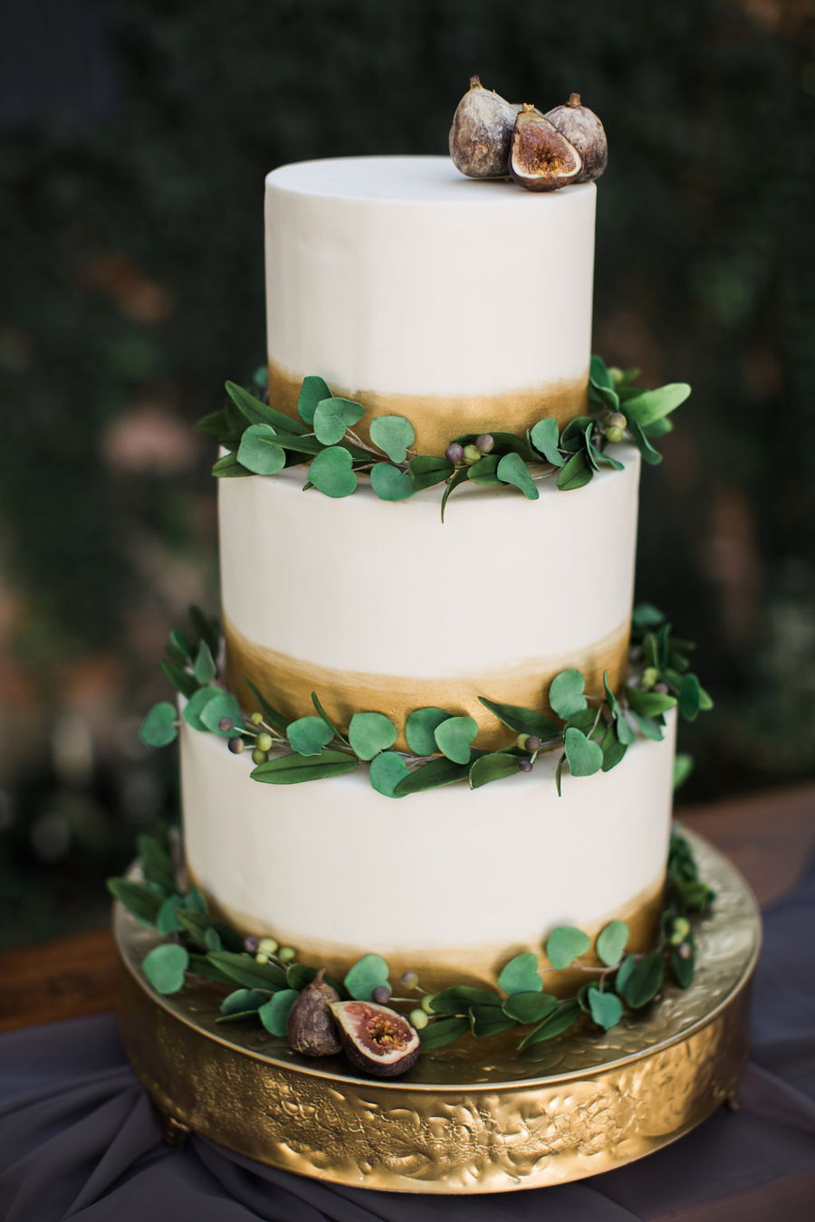Eucalyptus Fig And Olive Leaf Cake Cakecentral Com