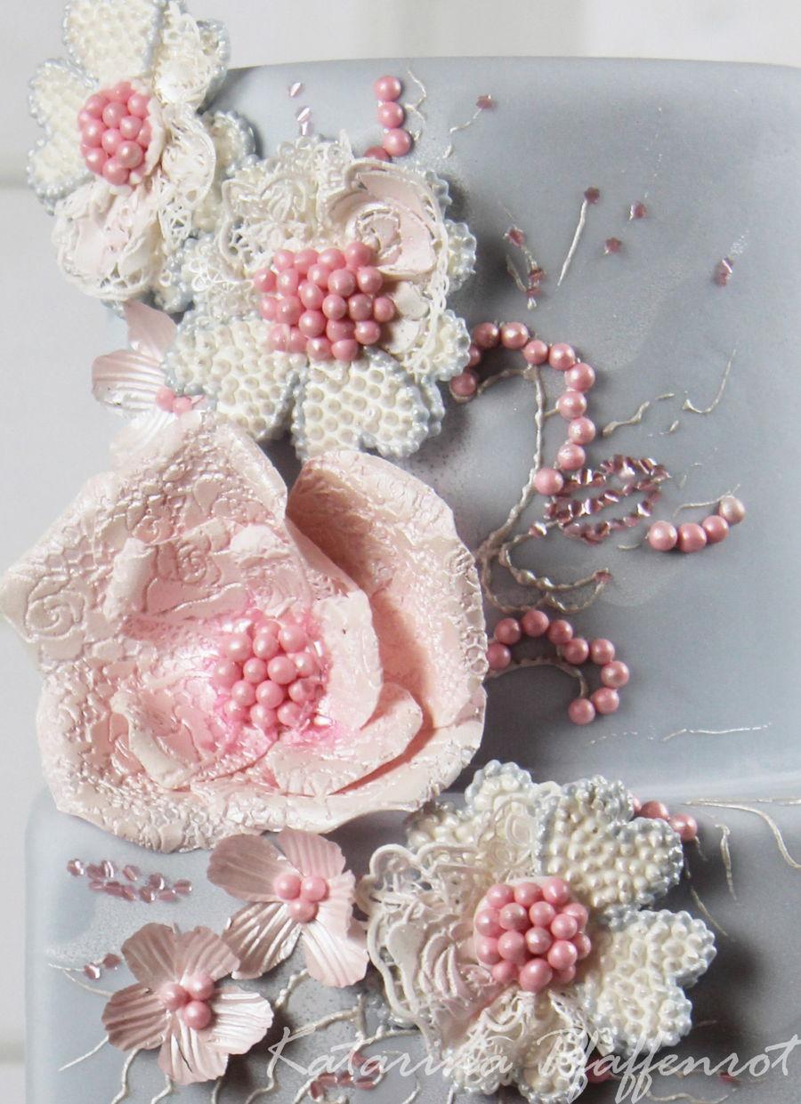 wedding cake rose quartz serenity. Black Bedroom Furniture Sets. Home Design Ideas