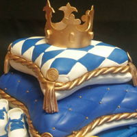 2-Tiered Pillow With Crown Vanilla cake with fresh strawberry filling, vanilla cake with caramel buttercream
