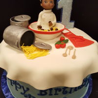 Little Chef 10 inch yellow with vanilla filling, covered in fondant