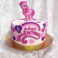 My Little Pony Hand modeled Raimbow Dahs and a very cute decoration with fondant hearts