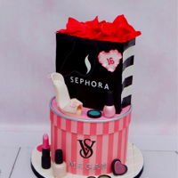Sweet Sixteen Fashion themed cake for a Sweet Sixteen party