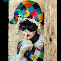 Venetian Carnival I made this masked girl for the Carnival Caker's 2017 Collaboration. The sequins are made of gelatin and piping and positioning them...