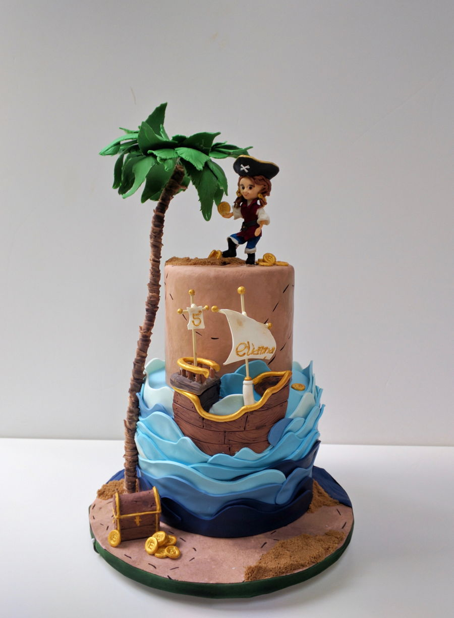 Pirate Girl Cake on Cake Central