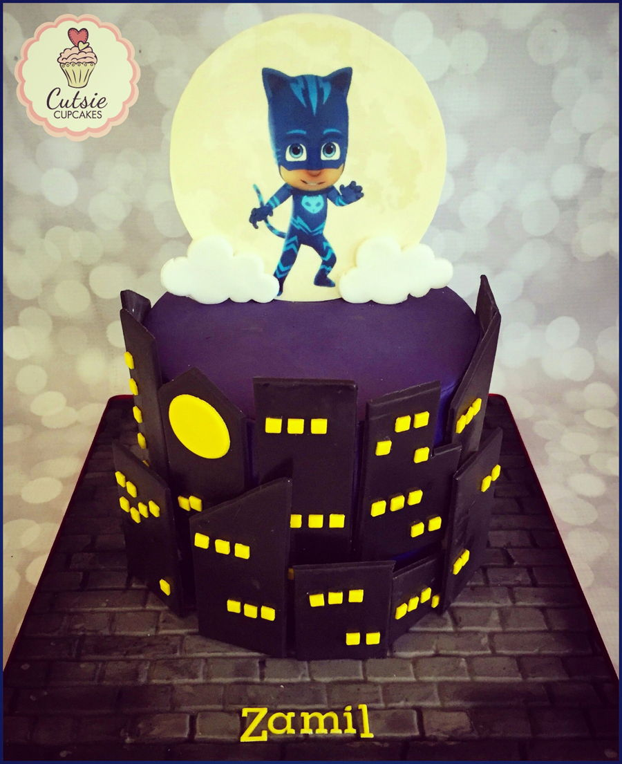Cupcakes moreover Pj Mask Cake likewise Easy Spider Cake And Cupcakes in addition Cotton Candy Cupcakes also Make Halloween Cupcakes. on halloween cupcakes decorating ideas