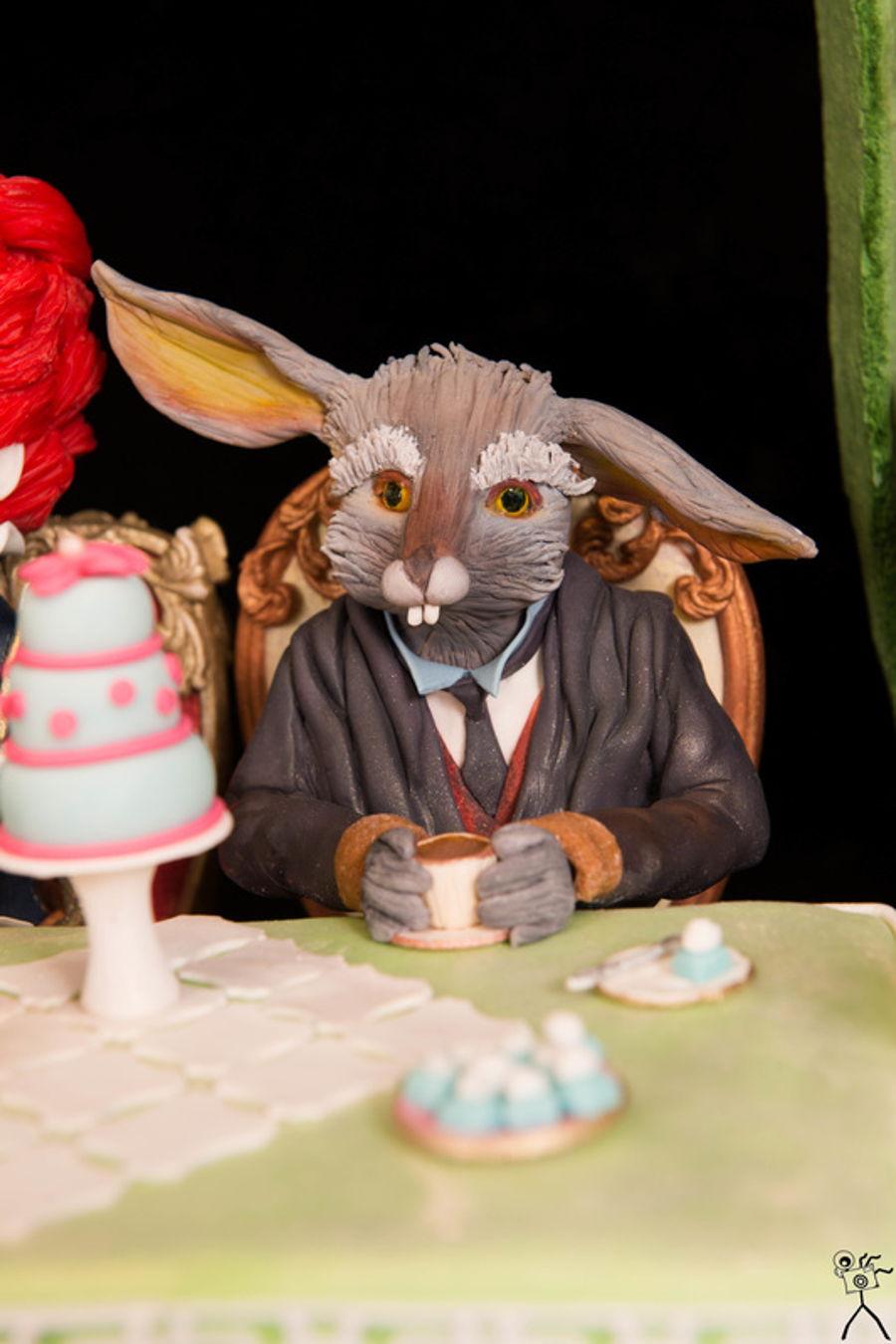 Cake Decorating Sculpting Figures : Sculpted Alice In Wonderland Cake - CakeCentral.com