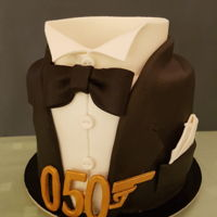 Bond Cake small birthday cake for my general manager :-) .It is make with Ogura layers and pineapple cream.