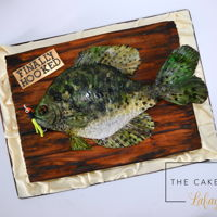 Fish Cake This Sac a lait fish cake is made with all Renshaw fondant and Renshaw gumpaste!