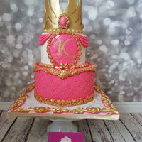 Pink And Gold Princess Cake And Beautiful Sweet Table Gorgeous and chic pink and gold princess cake. A looks of The Sleeping Beauty and a mix of Frozen. All princess dream and beautiful ,...
