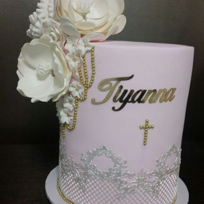 Communion Cake This communion cake was made for a special young lady.Lace work