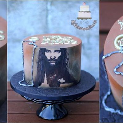 """i Am Aragorn Son Of Arathorn"" The Lord Of The Rings cake. Hand painted on cake Arathorn. Hope you like it <3"