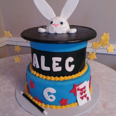Magic Cake Magic themed birthday party cake complete with a rabbit in a hat!