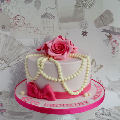 Roses And Pearls 45th birthday cake with roses and pearls