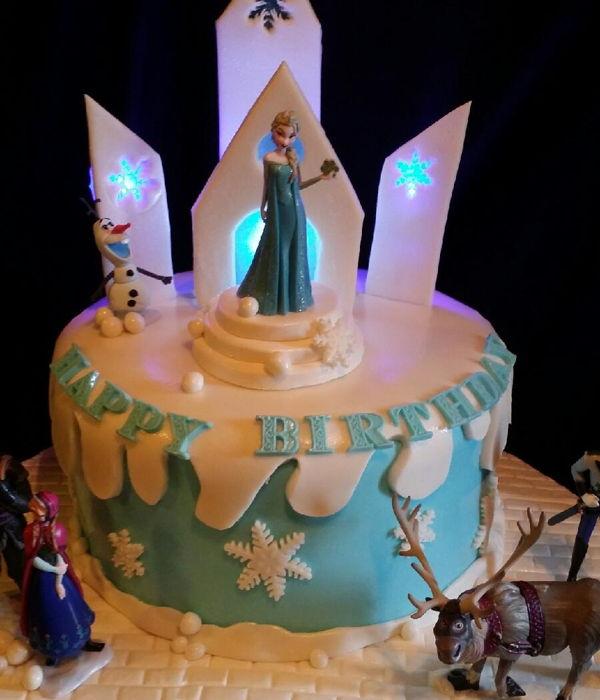 Frozen Cake Decorating Photos