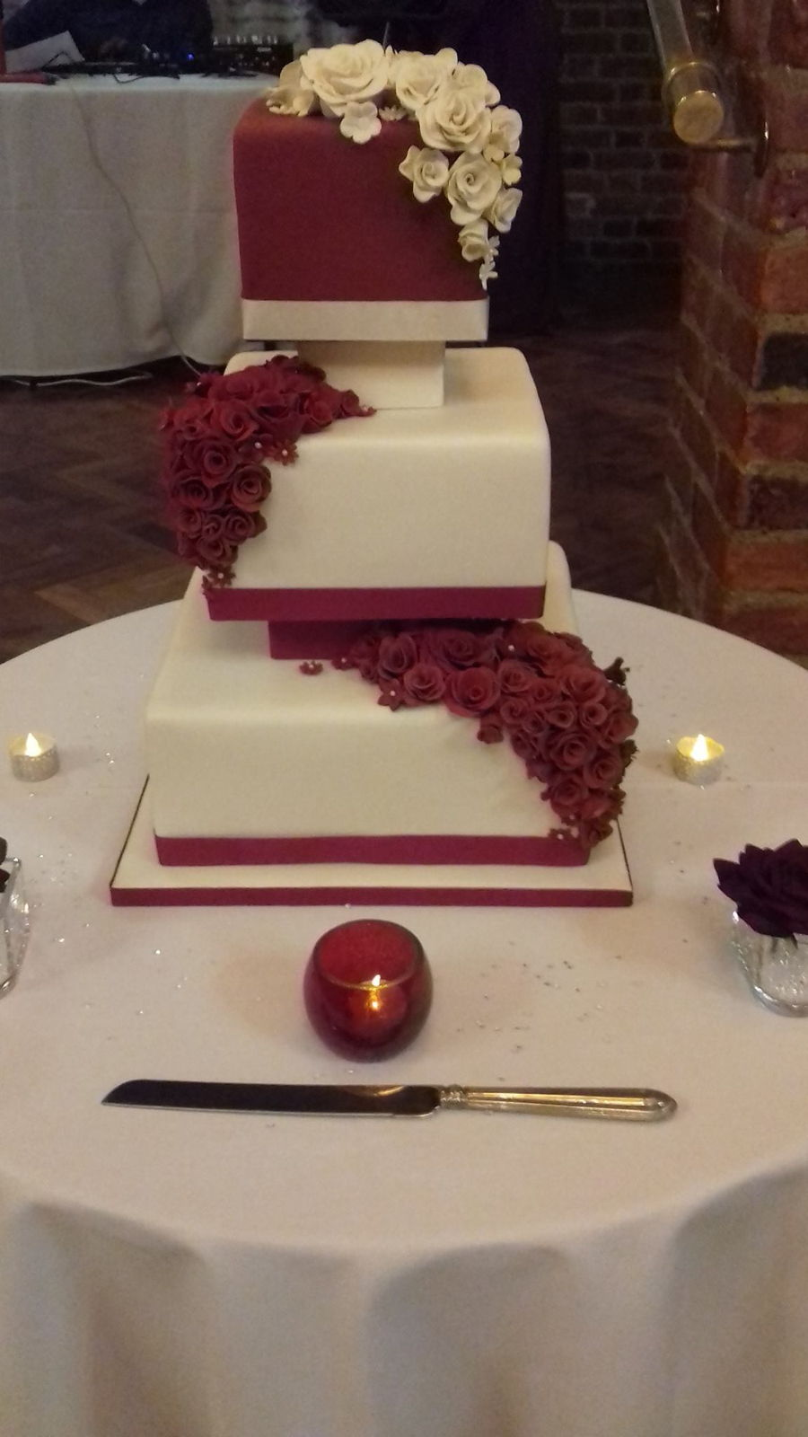Stacking A Wedding Cake With Spacers