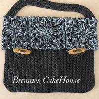 Crochetted Bag all fondant, all eddible, no cake this time due to ilness, but I had the idea in my head and it had to come out of my hands to clear y head...