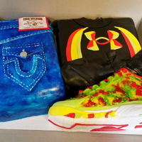 Steph Curry Themed Cake Steph Curry Themed Cake Shoe, jeans and under Armour sweatshirt