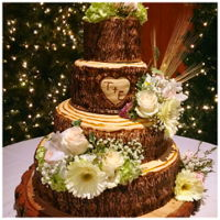 Tree Trunk Wedding Cake Tree trunk wedding cake with real flowers