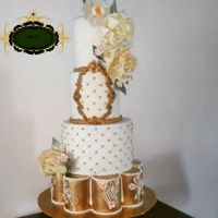 White And Golden Wedding Cake Getting into the summer wedding!